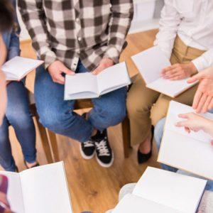 Вивчення Біблії – домашня група